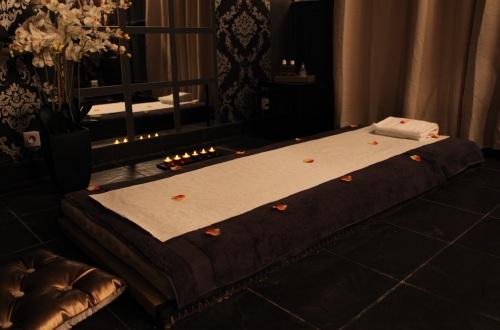 Les massages naturistes zen sens for Salon naturiste